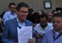 Mientras Ríos Piter lucha por su derecho a estar en la boleta, otros empezarán a gastarse el dinero de campaña