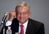 López Obrador ya tiene línea 01800, ¡llame ya!