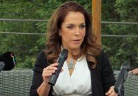 Fernanda Familiar da a conocer su versión en el programa de López Dóriga