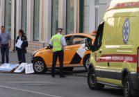 VIDEO: Taxi arrolla multitud en Rusia; habría mexicanos heridos