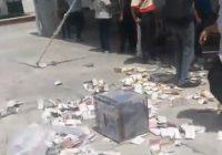 """Se accidentan """"mapaches"""" electorales en camioneta de la Fiscalía de Puebla"""