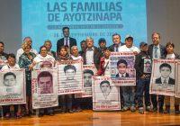AMLO promete verdad ante caso Ayotzinapa; crea Comisión de la Verdad